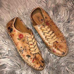 Patricia Nash floral espadrille sneaker shoes